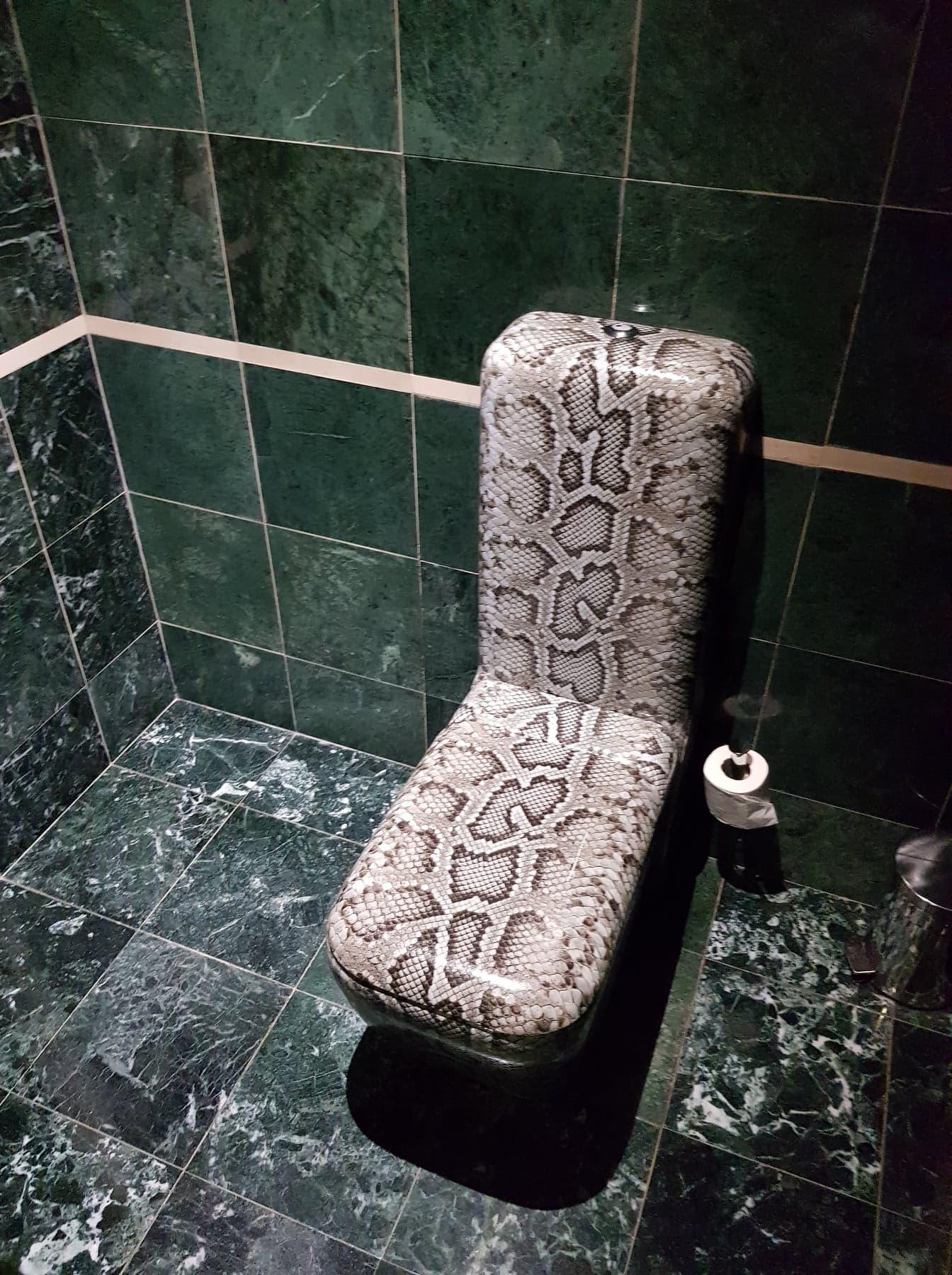 banke_toilettes
